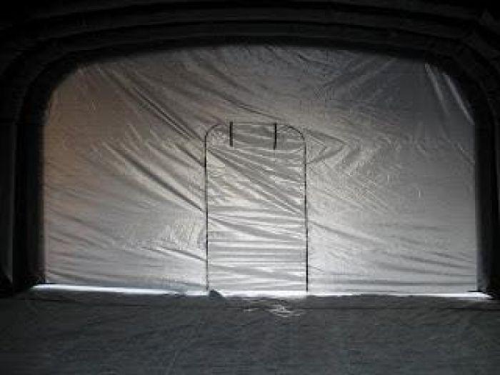 Hvordan montere et isolert arbeidstelt på 50 m² på under 5 minutter