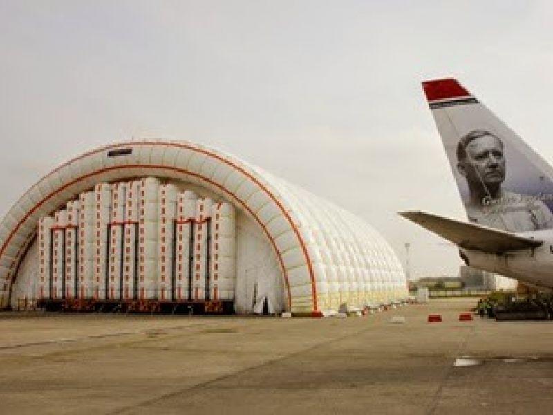 Oppblåsbar fly hangar på plass i Budapest 2
