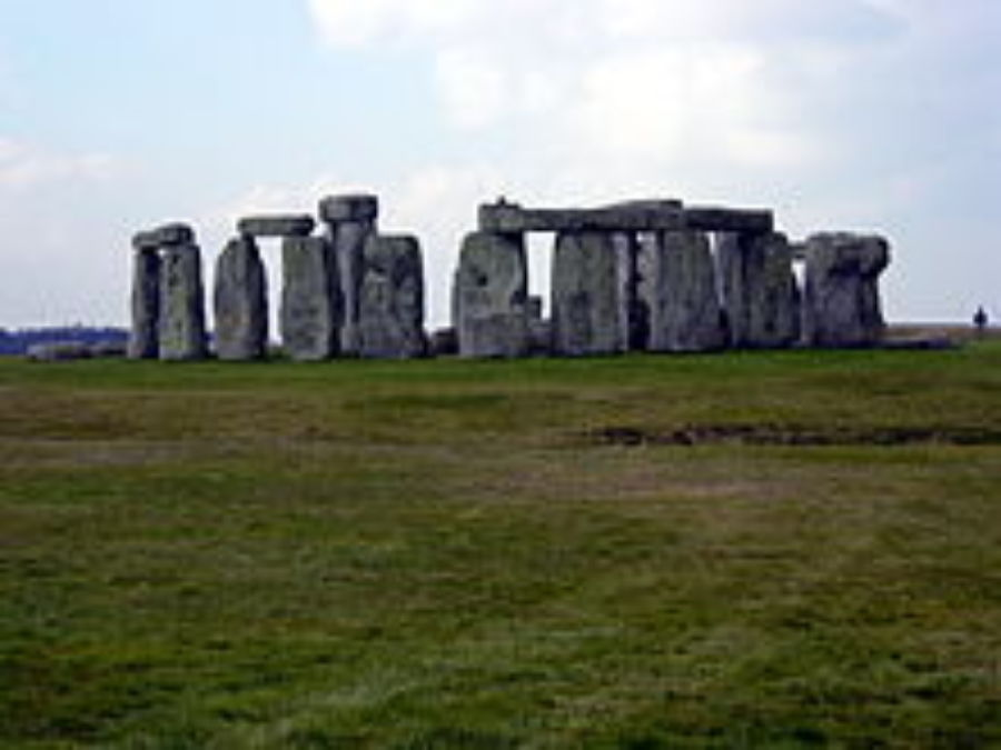 220px Stonehenge Wide Angle
